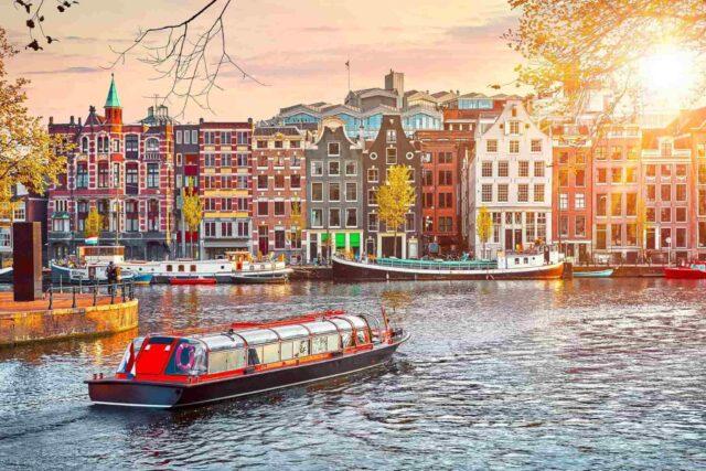 Amsterdam Gezi Rehberi, Otobüsle Avrupa Turu, Tourbulance.