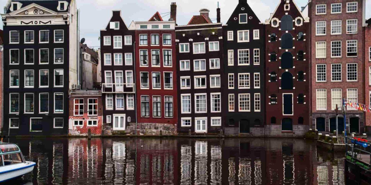 https://www.tourbulance.com.tr/wp-content/uploads/2019/08/Amsterdam-Hakkında--1280x640.jpg